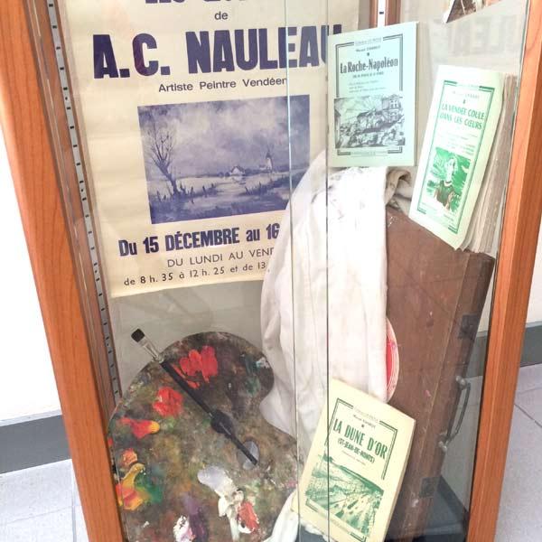 vitrine nauleau à l'exposition de Fontenay
