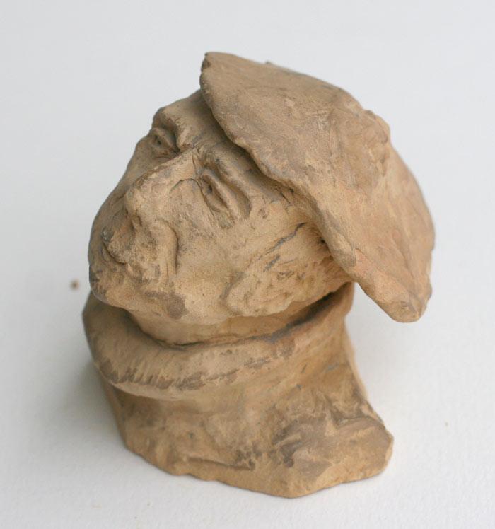 sculture d'une tête d'homme