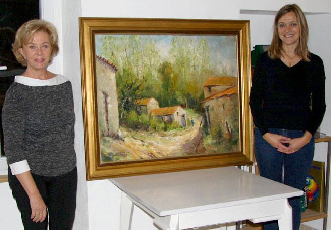 don du tableau entre l'association représentée par Marie-Laure et la donatrice Sylvie